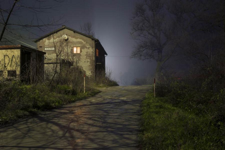 http://www.laraciarabellini.com/files/gimgs/th-15_06_LCI2764.jpg
